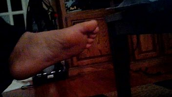 rendall feet amanda Dando a bundinha na escola
