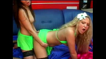 blonde webcam lesbian brunette show on and busty Greedie is the piggie