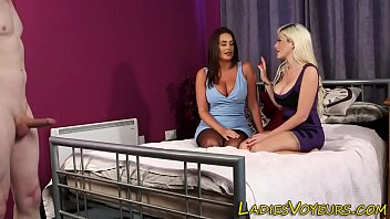 humilie amatrice crachat Watching my wife creampied by stranger