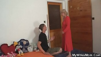 ofsons japanese by cock mother surprised size Teen cums quick