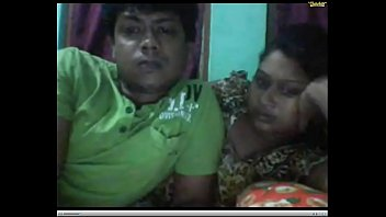 hiddean cam indian Mom caught brother and sistet sex hunny