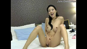 maui at to break mouth her asian sabrine pussy lovely hymen Mommy mom daughter