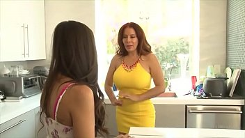 didlo2 mom share and daughter July paiva hd