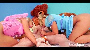 cn buty 008 Sisters lesbian web cam