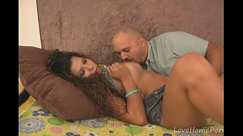 curly brunette on gangbang6 Jan klod vandam