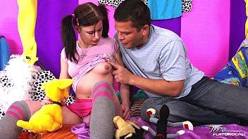 boobs young teen man lets her lick old milk Cameron diaz chupando pollas