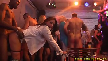 strippers party mouth used Nias teniendo sexo vrgenes y blanquitas