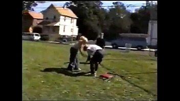 up girls brutal a guy beat cfmn L initiation d une femme mariee
