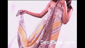 sunnny in strip leone best party tease public D vils film