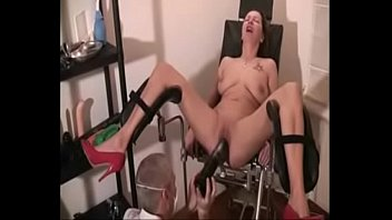 gyno cmnf enf Nia pierde la virginidad y le duele mucho