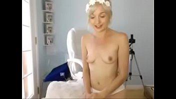 blonde webcam busty girl Jolene is giving her guy a sloppy blowjob