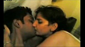 couple their on honeymoon2 indian Masrya fe al shra3