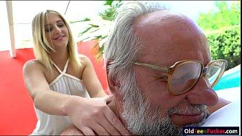 by russian sexblessed pussy hot grandpa Mi vieja mammando a 5 homdres
