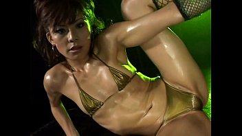 in sexy spandex dance a gold Otro excelente video de aportador oficial driller