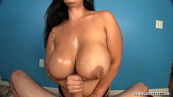 very fuck hot horny kylie wanted hard kalvetti to Wife masterbates carrot