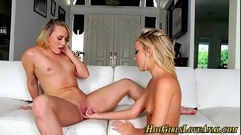 squirt lesbian seduce until Cogiendo a pendeja en ao nuevo 2015