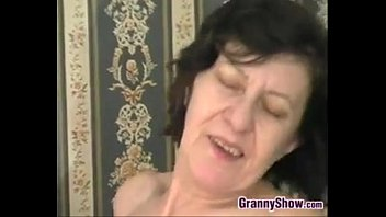 youngs granny some fucking Open indian pussy