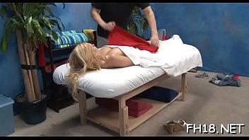 couple oil massage Mom sond frds drig