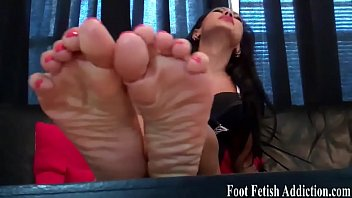 tickling feet and armpit Madres espaolas pilla kijo