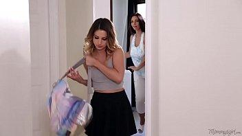 sex mom to step tries resist say no and Marido leva esposa em casa de swing bi masculino