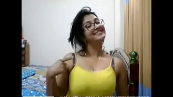 old by aunty fucked indian uncle Elle paye en nature